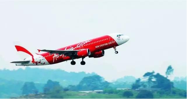 每次乘坐亚航的飞机,看着它机身上的那四个英文单词