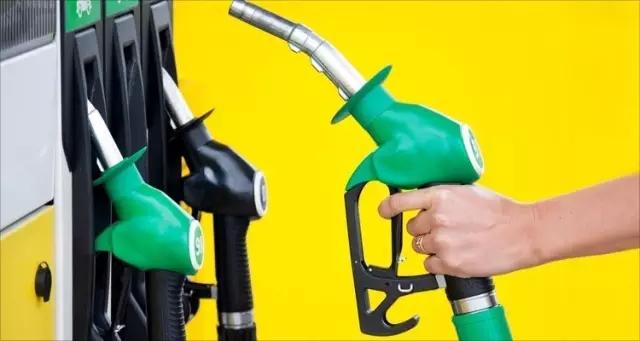 加油宝定位于围绕车主的消费金融公司;易加油专注于做营运车辆及高频