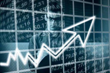 1-8月网上零售额42511亿元 同比增长34.3%