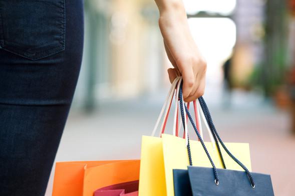 沃尔玛努力追亚马逊:商品在线价格相差无几