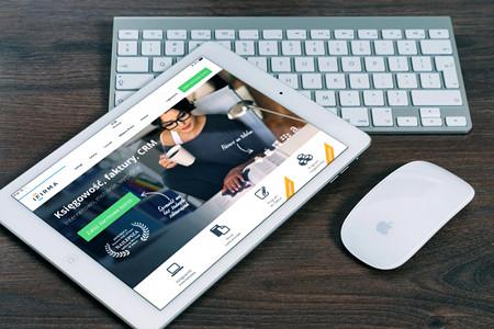 分析师预计苹果市值12个月内超过1万亿美元