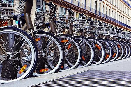 共享单车被谁撞了腰:有沦为城市垃圾之嫌