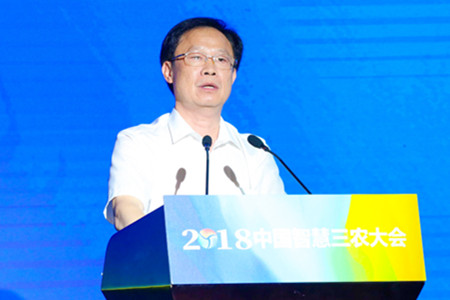 邓应军:荆州发展小龙虾产业 产量占全省47%