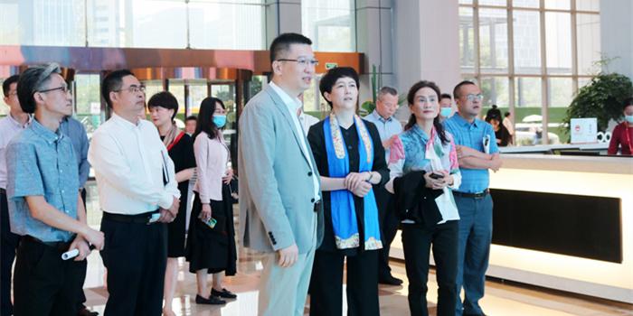 劉筱柳副市長赴成都全球跨境電商服務資源中心調研指導