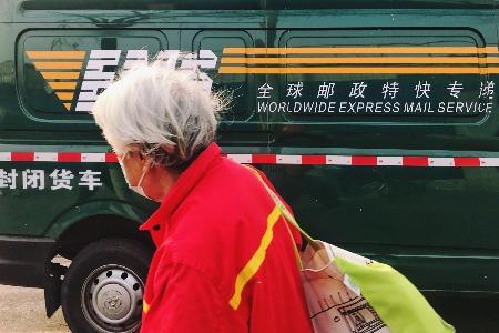 交通運輸部:鼓勵網約車開通電話叫車 便利老年人出行
