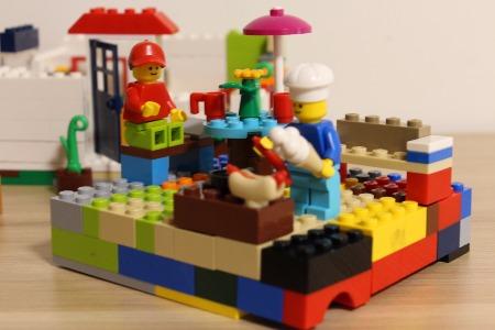 eBay分享玩具新風向:智能玩具流行IP玩具收藏品化